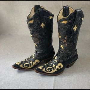 Corral snake skin cowgirl boots 6.5